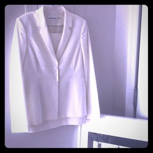 New Calvin Klein suit with skirt • wool white